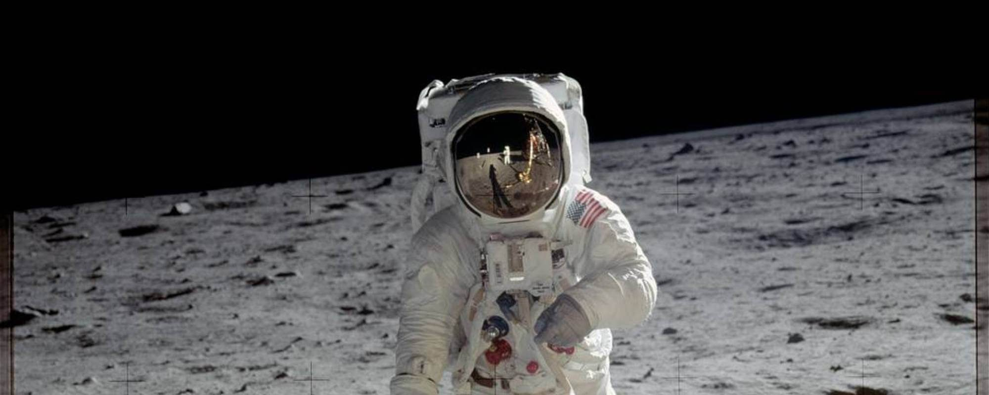 neil-armstrong-standing-on-the-moon